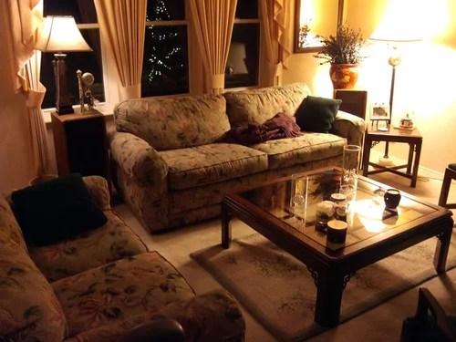 I need help updating my 90's living room. on 90 Room  id=77788