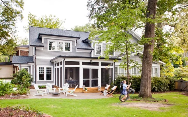 Traditional Exterior by Jeff Herr Photography