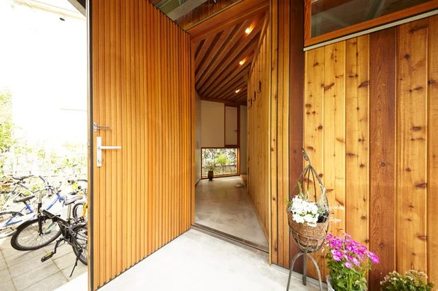 Estilo Craftsman Entrada by SUWA architects+engineers
