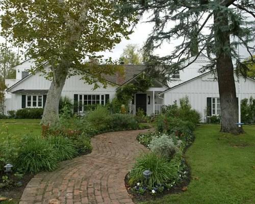 Best Farmhouse Front Yard Landscape Design Ideas & Remodel ... on Farmhouse Yard Ideas id=44884