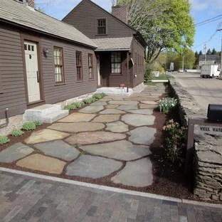 25 Best Farmhouse Front Yard Landscaping Ideas ... on Farmhouse Yard Ideas id=73335