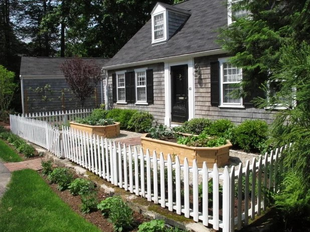 Welcher Gartenzaun passt am besten zum Haus?