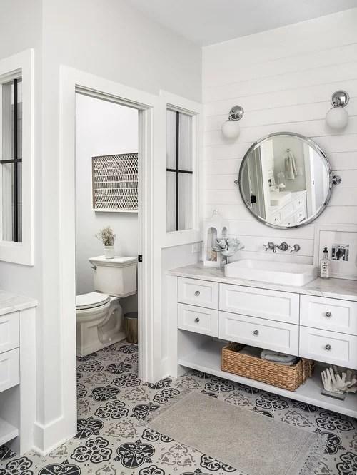 Best 25 Farmhouse Bathroom Ideas & Decoration Pictures | Houzz on Farmhouse Tile Bathroom Floor  id=75749
