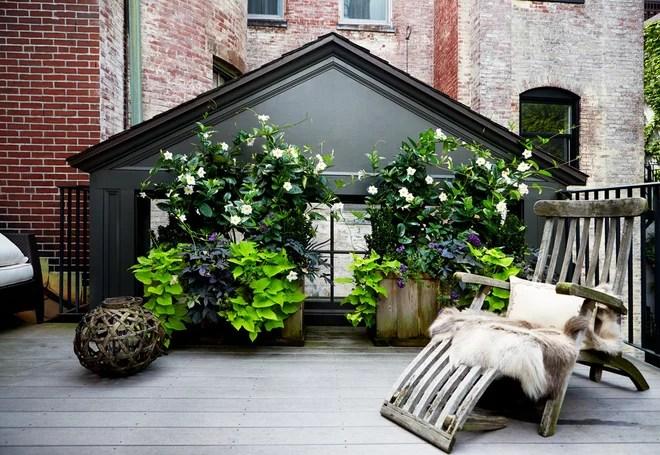 Traditional Deck by Lisa Davis Interiors