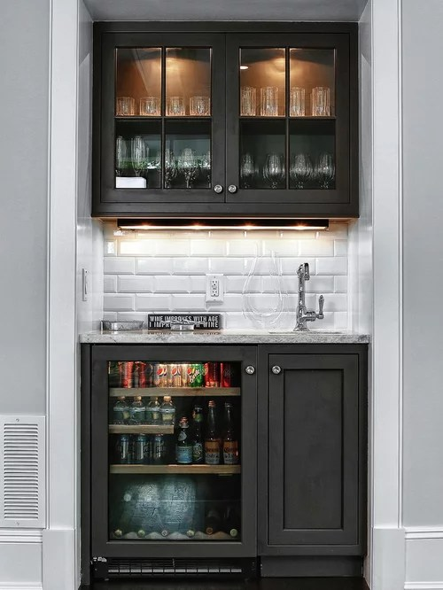 Best Small Wet Bar Design Ideas & Remodel Pictures | Houzz on Small Wet Bar In Basement  id=96932