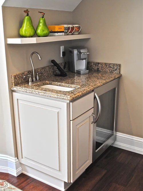 Small Wet Bar | Houzz on Small Wet Bar In Basement  id=89754