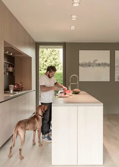 Moderno Cocina by 2D+ Architekten