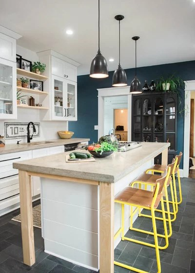 Farmhouse Kitchen by West End Interiors