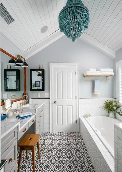 Transitional Bathroom by Innovative Construction Inc.