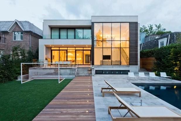 Modern Exterior by GreenGold Construction Ltd