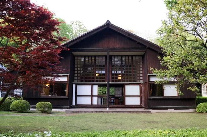 Japonés Fachada by KiSMet Productions