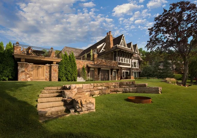 Traditional Landscape by Landscape Renovations, Inc.