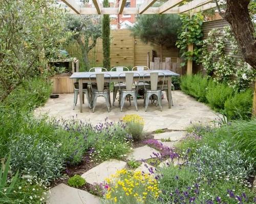 Best Farmhouse Landscape Design Ideas & Remodel Pictures ... on Farmhouse Backyard Landscaping id=65777