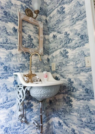 Victorian Bathroom by Kristie Barnett, The Decorologist