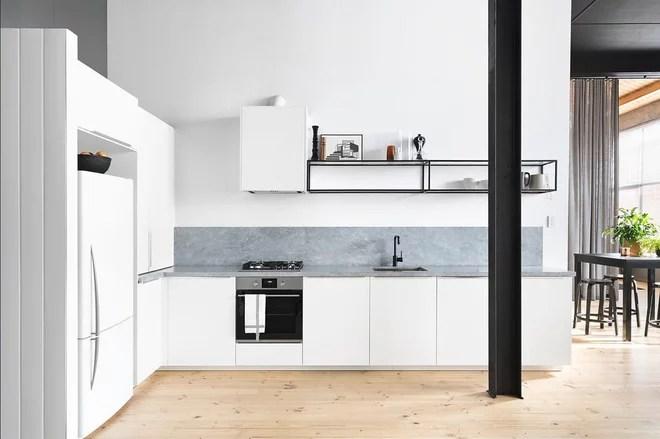 Modern Kitchen by Baulch Services