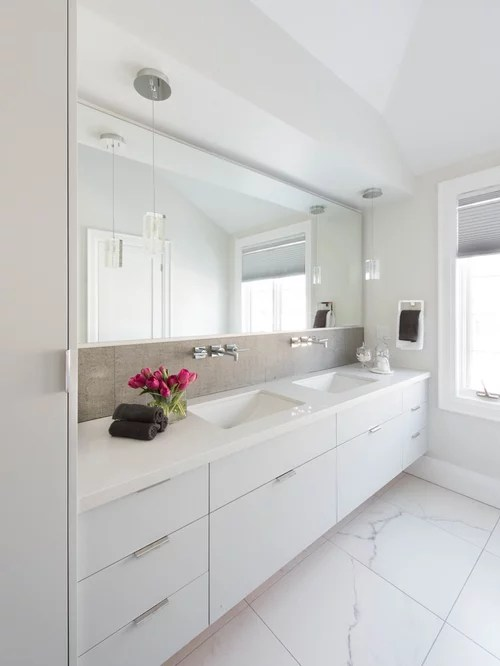 Best Modern Bathroom Design Ideas & Remodel Pictures | Houzz on Modern Small Bathroom  id=13168