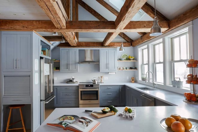 Farmhouse Kitchen by Aaron Flint Builders