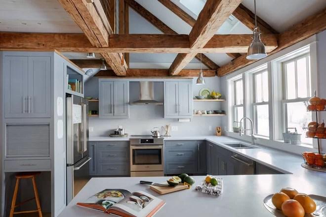 Farmhouse Kitchen by Aaron Flint Builders