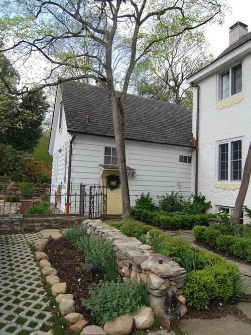 Farmhouse Front Yard Landscape Ideas, Designs, Remodels ... on Farmhouse Yard Ideas id=54305
