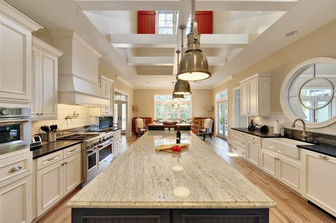 Beach Style Kitchen by Echelon Custom Homes