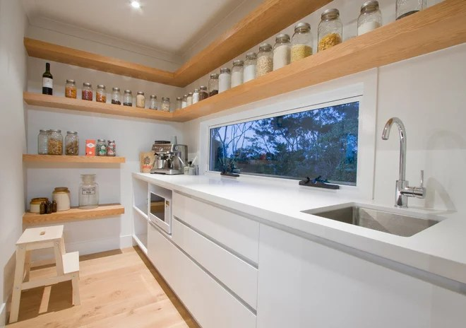Contemporary Kitchen by Garsden and Clarke Kitchens