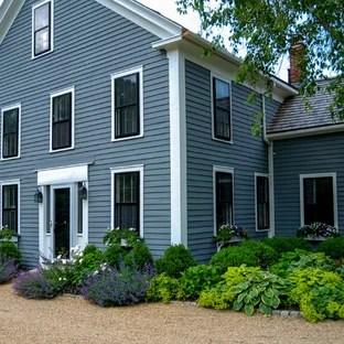 25 Best Farmhouse Front Yard Landscaping Ideas ... on Farmhouse Yard Ideas id=69943