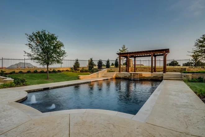 Mediterraneo Piscina by Rendition LUXURY Homes