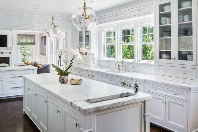 Traditional Kitchen by Advanced Home Audio