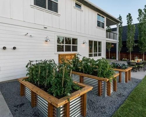 25 Best Farmhouse Landscaping Ideas & Decoration Pictures ... on Farmhouse Backyard Landscaping id=50637