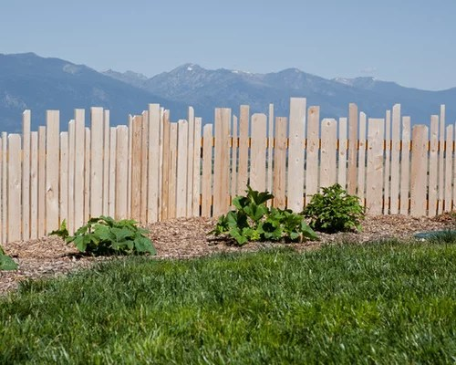 Uneven Fence Home Design Ideas, Pictures, Remodel and Decor on Unlevel Backyard Ideas id=50760