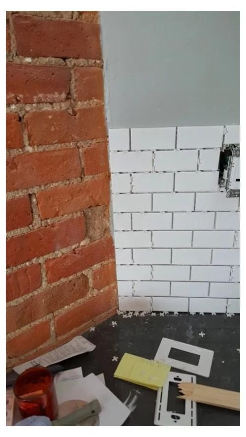 kitchen backsplash on outside corner