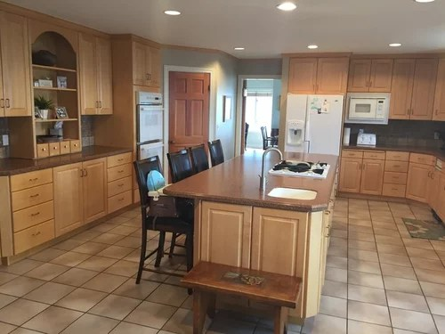 How do I remodel kitchen and keep maple cabinets? on Maple Cabinets With Backsplash  id=63100
