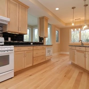 Maple Kitchen | Houzz on Maple Cabinets With White Countertops  id=99805