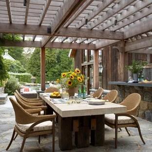 outdoor dining table centerpiece ideas