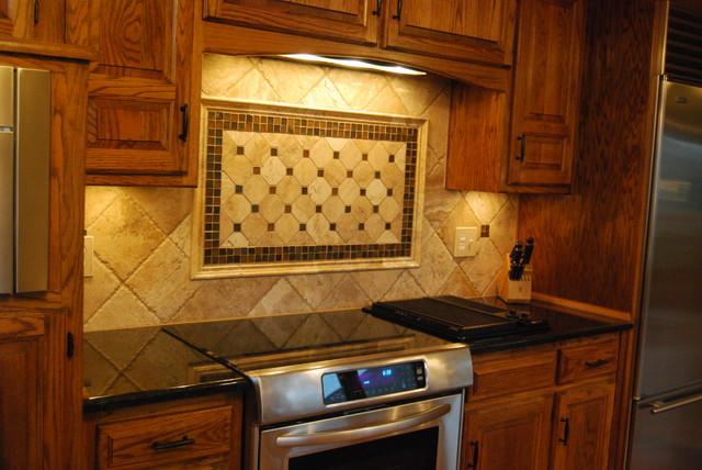 Travertine Tile Backsplash & Black Pearl Granite