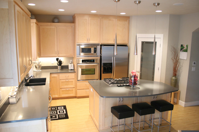 Modern Kitchen with Maple Cabinets and Quartz Counters on Kitchen Countertops With Maple Cabinets  id=33500