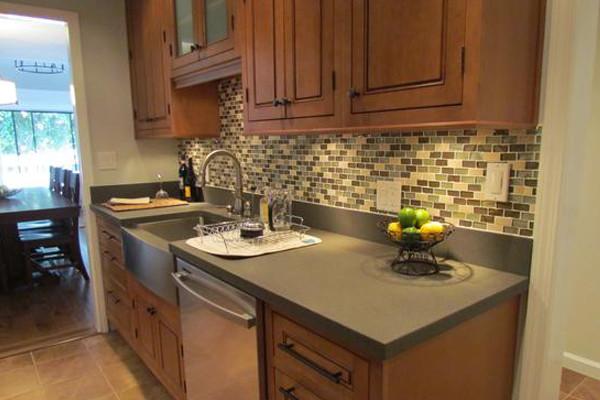 Maple Kitchen Cabinets | Fairmont Door Style | CliqStudios ... on Maple Cabinets With Backsplash  id=82348