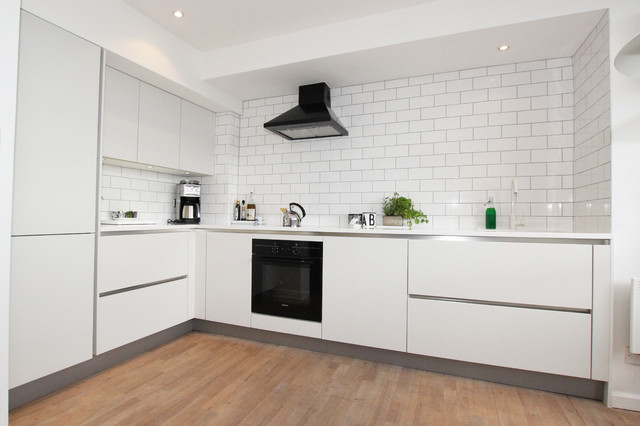 Small White L Shaped Kitchens