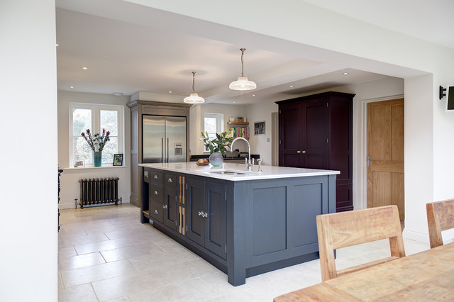South surrey kitchen cabinets for Bathroom cabinets surrey bc