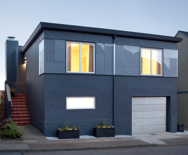 Stucco Facade With Plexiglass Detail Contemporary