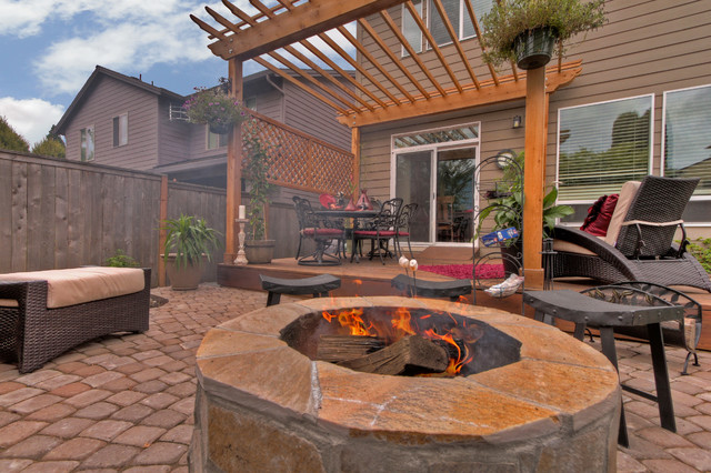 Fire pit - Water feature - Pergola - Paver courtyard ... on Paver Patio Designs With Fire Pit id=45531