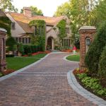 75 Beautiful Front Yard Brick Landscaping Pictures Ideas November 2020 Houzz