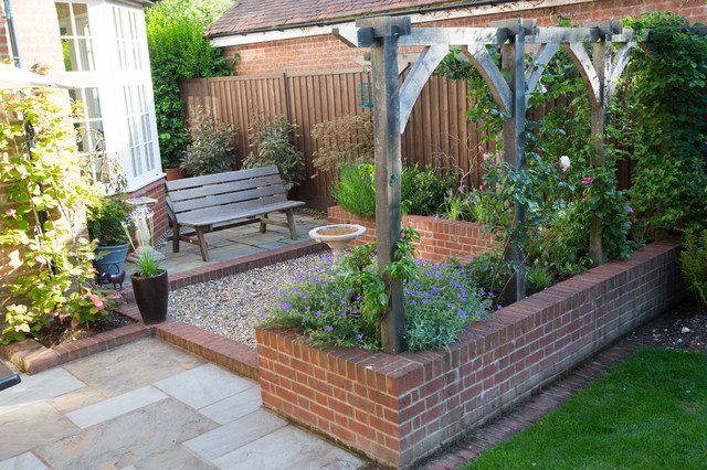 Edwardian Courtyard Garden - Traditional - Patio ... on Courtyard Patio Ideas id=35665