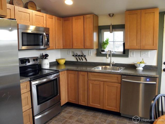 Classic Maple Kitchen - Contemporary - Kitchen ... on Maple Cabinets Kitchen Ideas  id=69870