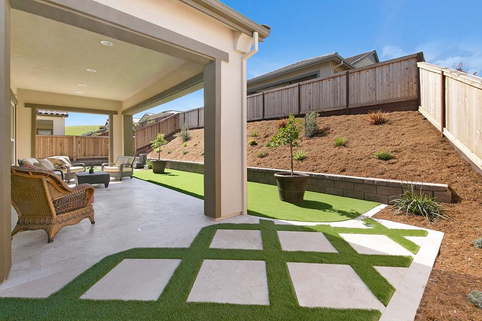 Grass and Pavers Backyard Design Ideas - Contemporary ... on Backyard Pavers And Grass Ideas id=24980
