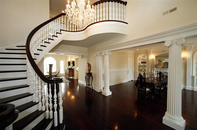 Southern Antebellum Traditional Staircase Wilmington