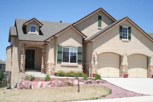 Shutter, Front Door and Garage Door Color Suggestions on Garage Door Colors Pictures  id=43752