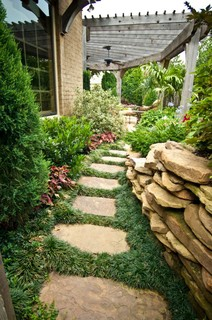 Big ideas in small spaces - Traditional - Landscape ... on Small Side Yard Ideas id=64549