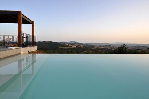 A new modern farmhouse in Tuscany