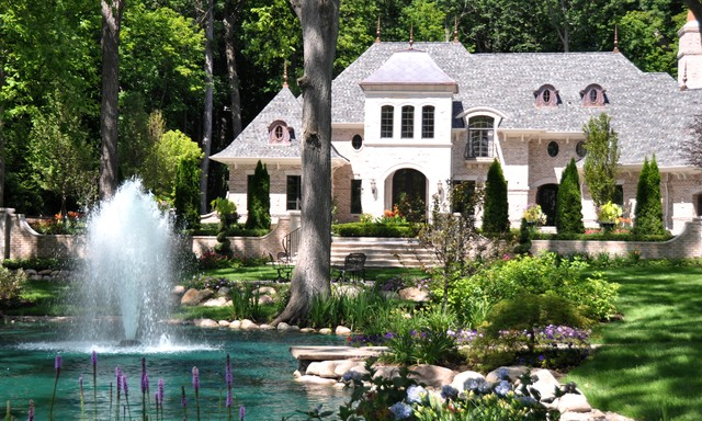 Residential Front Yard Water Feature Fountain in Pond ... on Front Yard Pond  id=74972